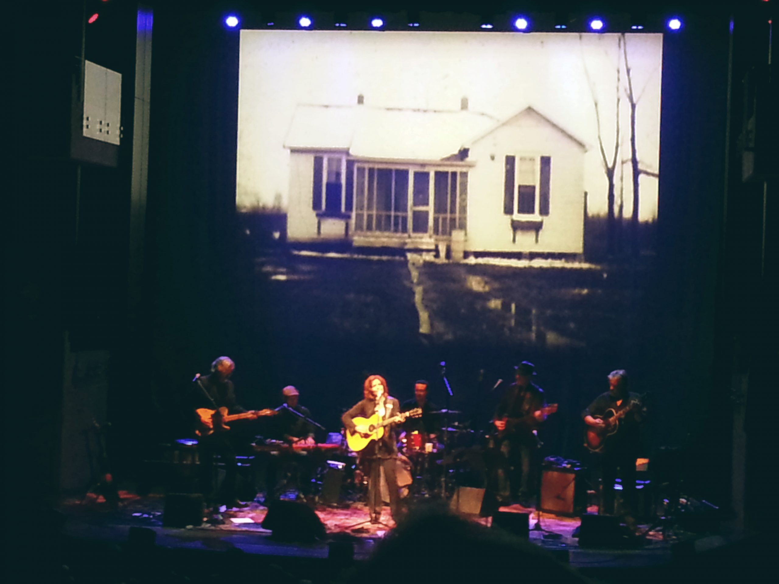 Rosanne Cash Begins Residency at the Country Music Hall of Fame