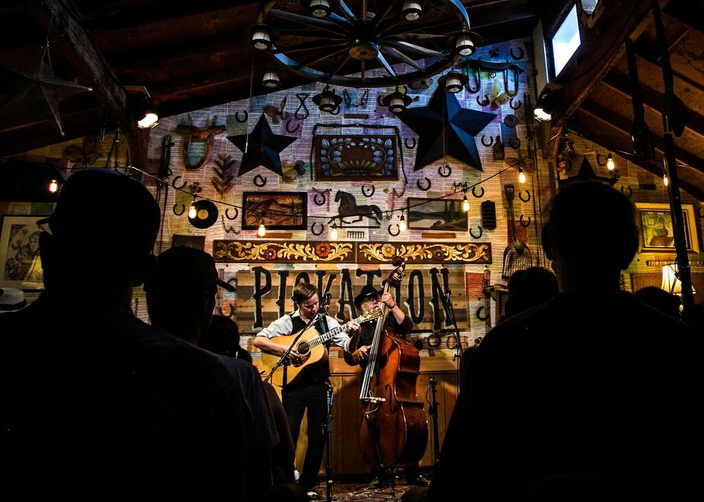LIVE AT LUCKY BARN: Billy Strings & Don Julin, 'Meet Me at the Creek'
