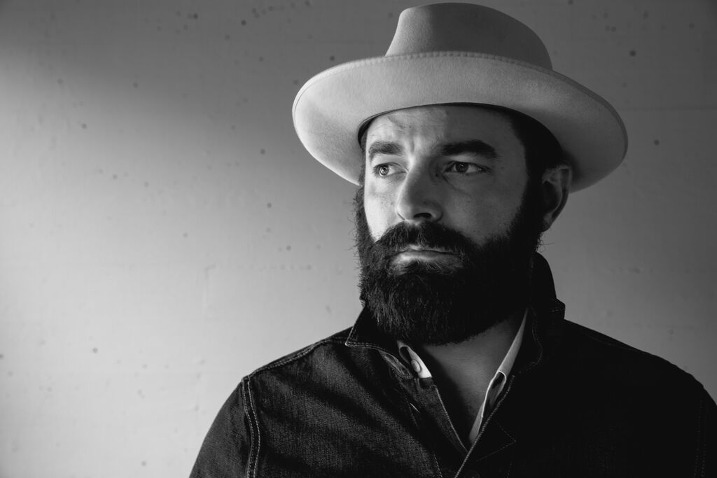 WATCH: Drew Holcomb and the Neighbors, 'American Beauty' [Musicbed Sessions]