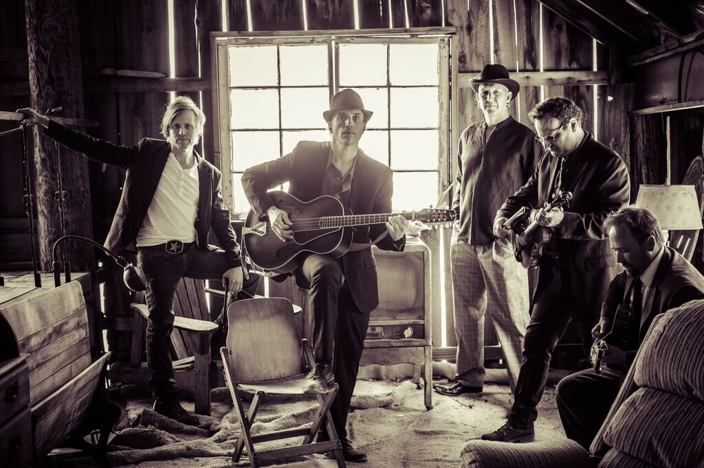 LISTEN: Tin Toy Cars, 'Addicted to You'