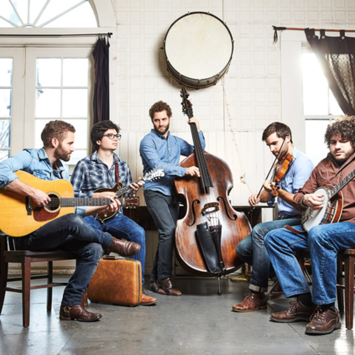 listen the lonely heartstring band graceland the bluegrass