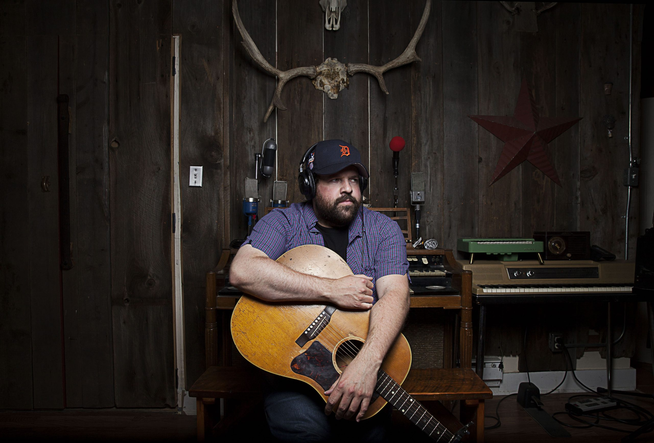 WATCH: Donovan Woods, 'They Don't Make Anything in That Town'