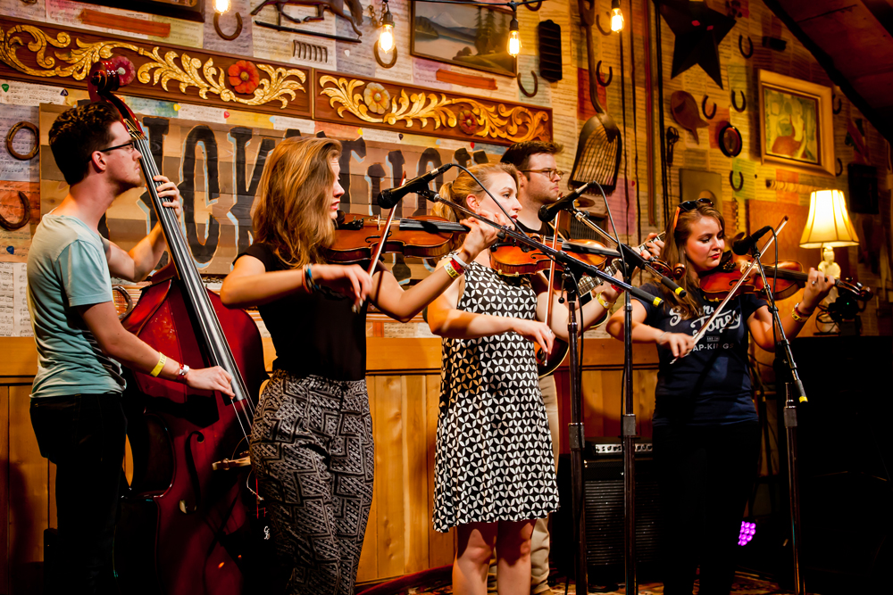 LIVE AT LUCKY BARN: The Quebe Sisters, 'Every Which-a-Way'