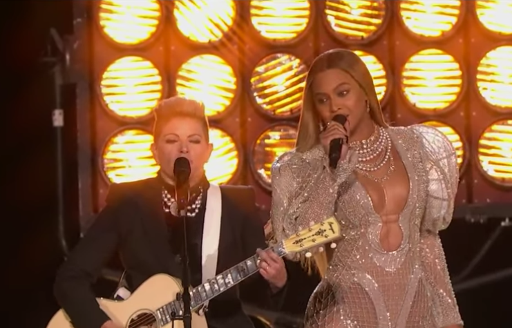 Hey, CMA Awards, Your Roots Are Showing