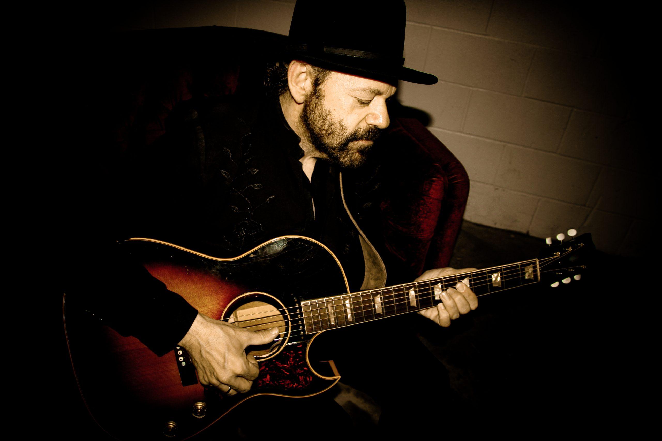 The String - Colin Linden