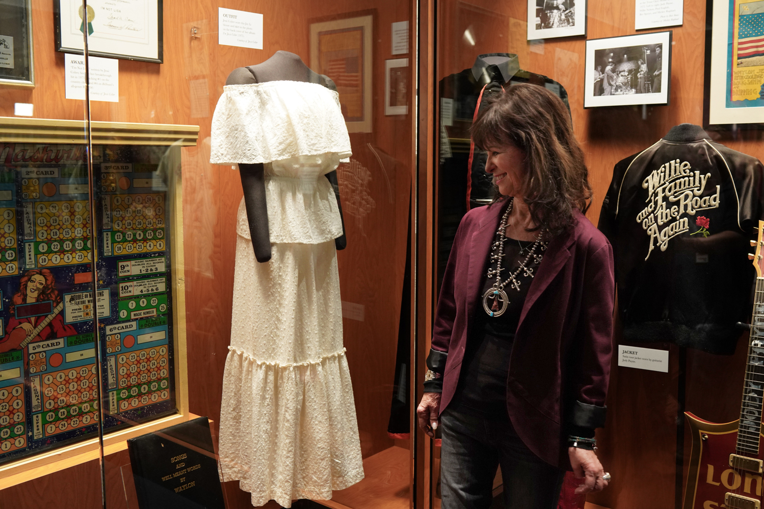 Capturing the Outlaws: Country Music Hall of Fame Salutes the 1970s