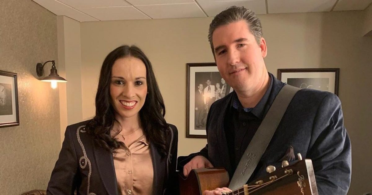 WATCH: Darin & Brooke Aldridge,
