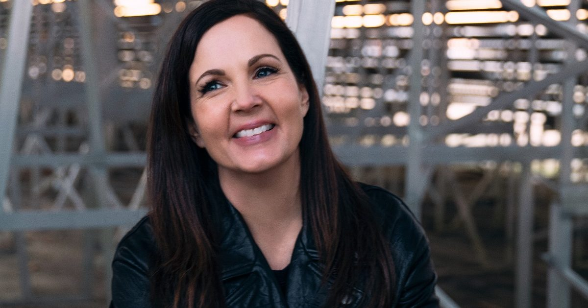 Lori McKenna Shows Love of Every Kind on 'The Balladeer'