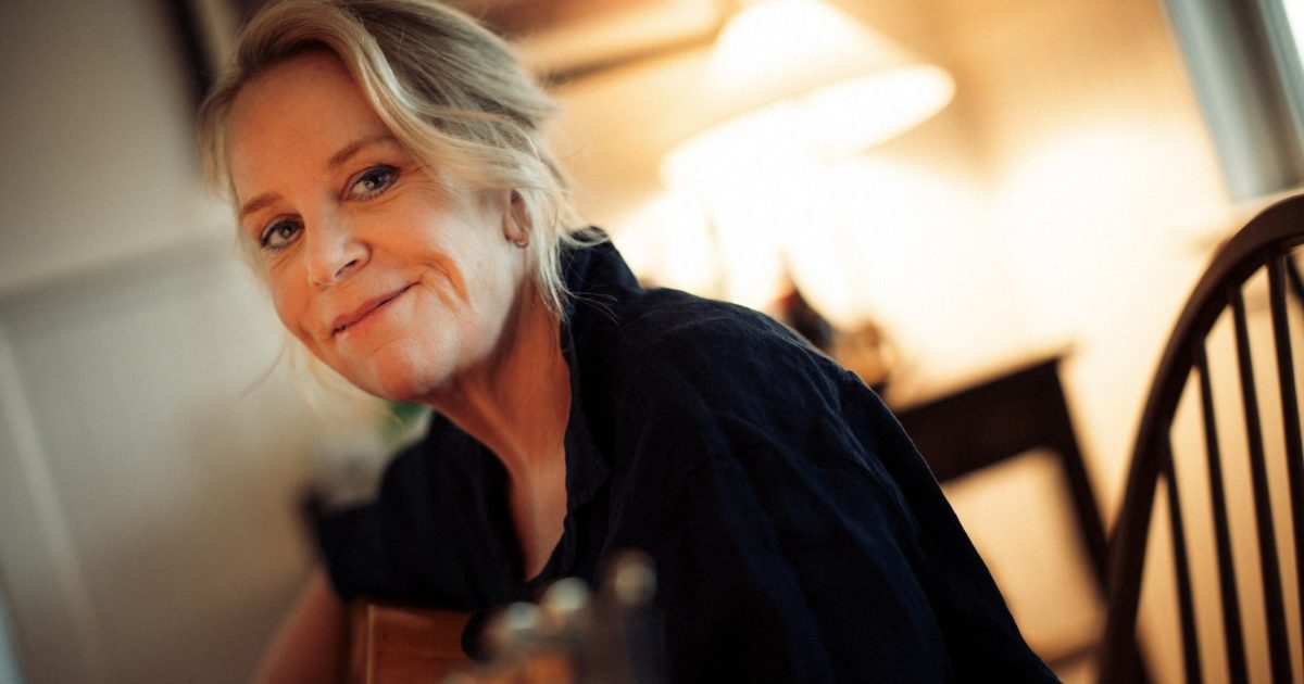 Mary Chapin Carpenter Walks Us Through 'The Dirt and the Stars'