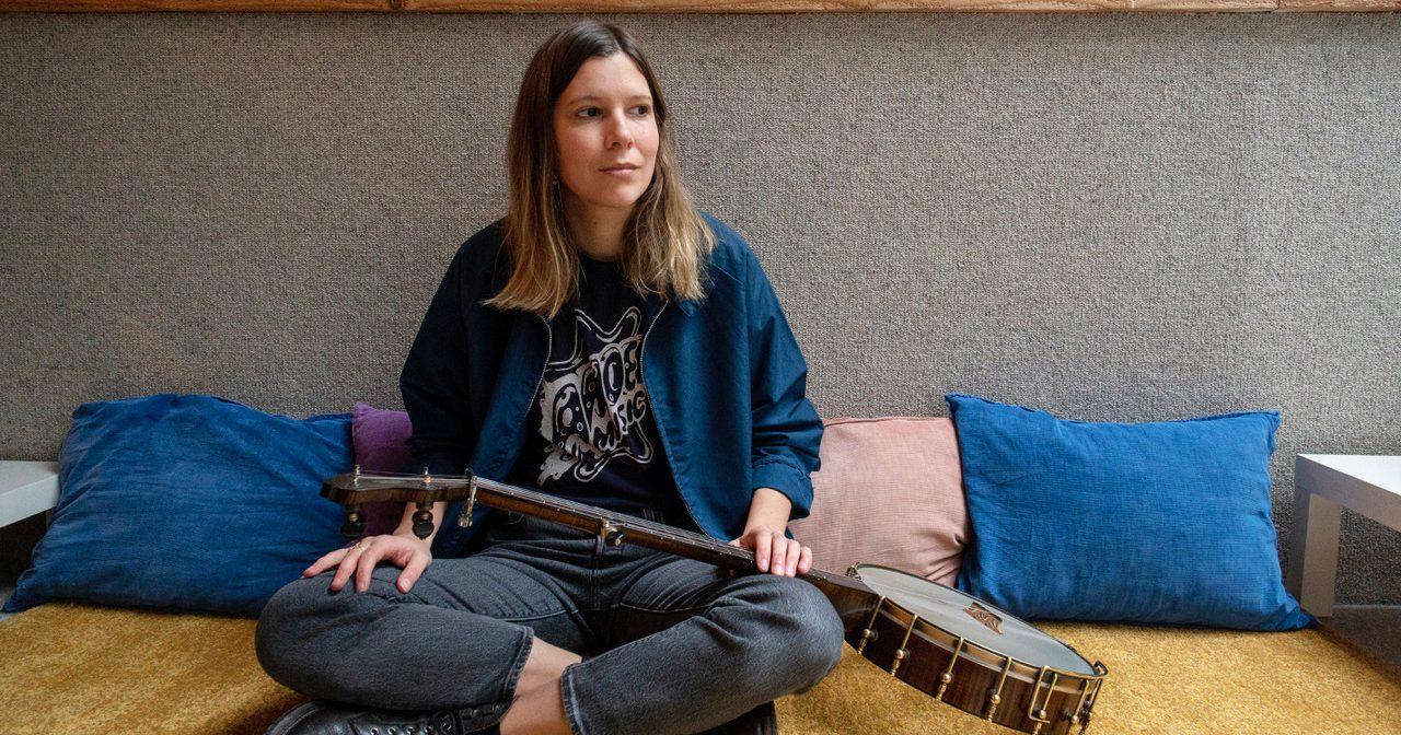 These Artists Take Irish Banjo Beyond Four Strings