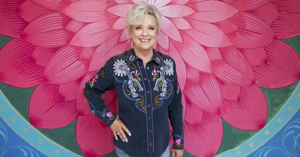 Connie Smith Carries a Classic Country Sound to